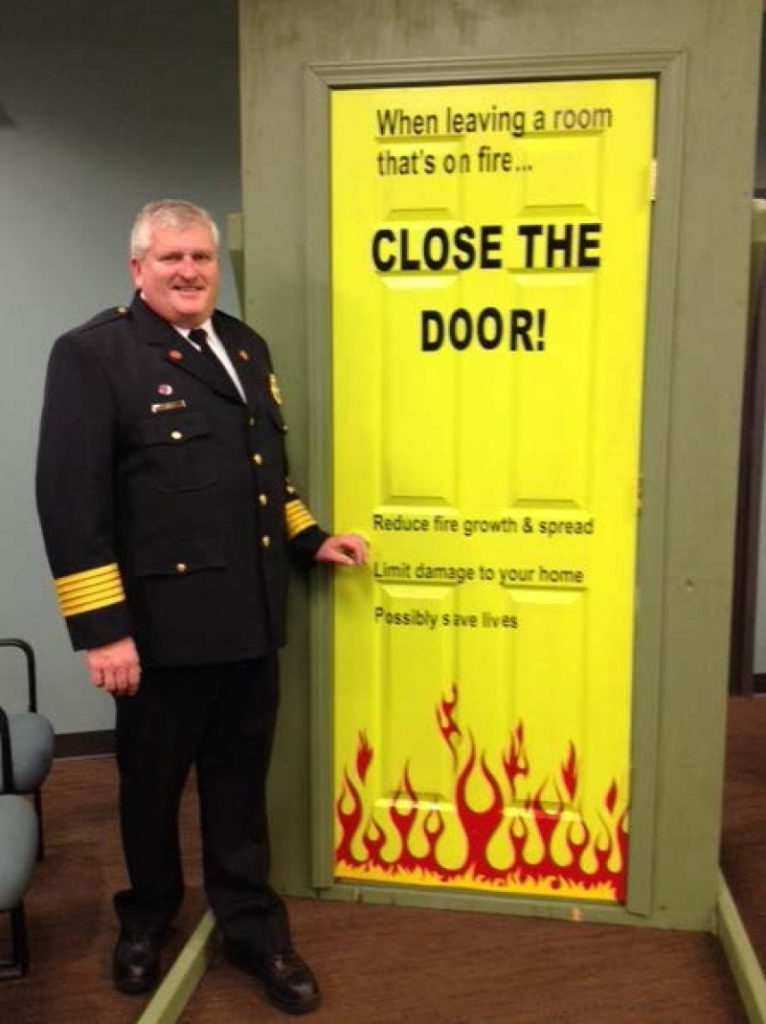 CLOSE YOUR DOOR!!!